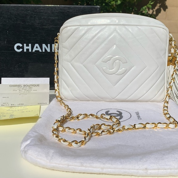 CHANEL Handbags - Vintage Authentic White 1992 Chanel Purse